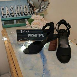 NWOT Dolce Vita black heels